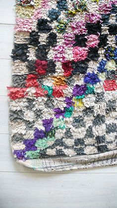 Vintage Moroccan Rag Rug BOUCHEROUITE squares por lacasadecoto