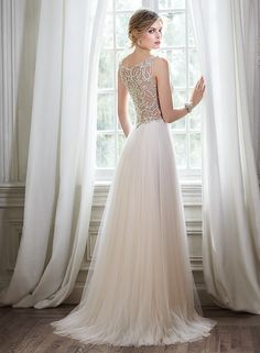 Phyllis - by Maggie Sottero