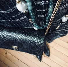 De Marquet - Raffaella Iten Metzger: a business casual fall look featuring a tartan shirt, stone necklaces and a Night&Day bag by De Marquet with a green python cover. Tartan Shirt, Day Bag, Day For Night, Fall Looks, Casual Fall, Stone Necklace, Python, Business Casual, Racing