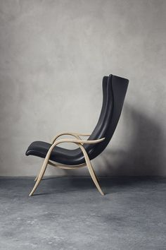 Frits Henningsen's uncompromising approach to furniture design culminated with this wingback chair called Signature Chair from 1954. Carl Hansen & Son has now restored the elegant armchair. From Carl Hansen & Son.