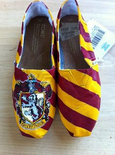 Who doesn't love these?!!   Gryffindor all the way!