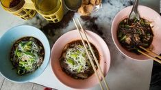 Some iconic, some obscure, these are the dishes that make Bangkok one of the world's finest eating cities. Thai Dishes, Food Dishes, Boat Noodle, Best Thai Food, Hotel Food, Foods To Eat, Thai Recipes, Budget Meals, The Dish