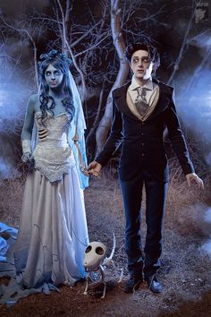 "How about a little cosplay as the characters in Tim Burton's Corpse Bride, wouldn't it be fun? Real life Tim Burton's ""Corpse Bride"" by cosplay artist Malro-Doll. Halloween Costume Couple, Unique Halloween Costumes, Halloween Cosplay, Halloween Makeup, Amazing Costumes, Halloween Halloween, Halloween Recipe, Tim Burton Halloween Costumes, Halloween Decorations"