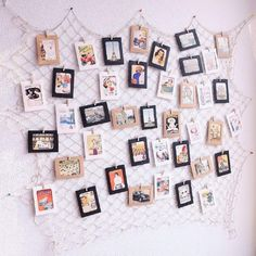 Photo Hanging Display Fish Net Wall Decorations Picture Frames Multi Photos Organizer with 40 Clips for Party Teens, Children Bedroom Living Room - DIY Photo Wall Hanging, Hanging Photos, Ideas For Hanging Pictures, Wall Decor Pictures, Decorating With Pictures, Photos On Wall, Diy Picture Frames On The Wall, Picture Walls, Decoration Pictures