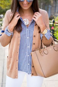 Love this outfit from The Southern Drawl for work! varsity sweater, gingham shirt, fall outfit ideas, tory burch robinson tote // a southern drawl Fashion Moda, Look Fashion, Fashion Women, High Fashion, Fall Winter Outfits, Autumn Winter Fashion, Winter Dresses, Outfits Con Camisa, Tory Burch