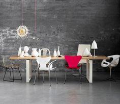 Stuhl-Mix macht den Esstisch zum Blickfang
