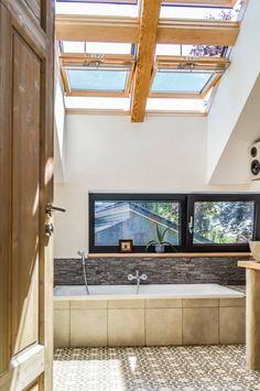 Badezimmer Holz Einrichten Mit Waschbecken Aus Holz - Freshouse ... Badezimmer Von Oben
