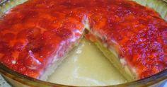 Это даже не пирог, а практически тортик. Нежный, сочный и очень-очень вкусный.