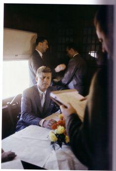1960. Septembre. Le 8 ou le 9. Californie. Kennedy Campaign Train. By Cornell CAPA