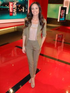 E! New's Catt Sadler wearing Cabe's popular Mini Blazer and fitted trousers during a segment!