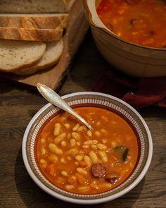 När jag var liten var min bästa kompis från Makedonien. Det bästa jag visste var att äta hemma hos henne efter skolan🤩 Hennes mamma var… Zeina, Gelatin, Chana Masala, Stew, Panna Cotta, Mamma, Ethnic Recipes, Kitchen, Chowders