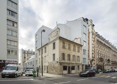 In the Parisian urban context of a high density, the project's site presents an interesting potential. The form of the building is the result of a pragmatic ...