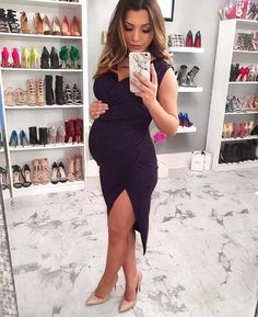 Maternity Dresses To Feel Comfortable Summer Maternity Fashion, Cute Maternity Outfits, Fall Maternity, Stylish Maternity, Pregnancy Outfits, Pregnancy Photos, Maternity Dresses, Blessing Dress, Pregnancy Looks