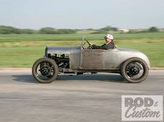 Ford Motor Company, Classic Hot Rod, Classic Cars, Diy Electric Car, Traditional Hot Rod, Ford Roadster, Hot Rod Trucks, Car Shop, Ford Models