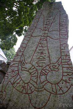 Lunda Mayan Symbols, Viking Symbols, Viking Runes, Ancient Symbols, Egyptian Symbols, Viking Pictures, Nordic Runes, Norse Pagan, Rune Stones