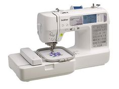 Brother Computerized Sewing / Embroidery Machine SE400