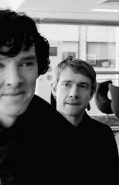 SHERLOCK - Benedict Cumberbatch and Martin Freeman <<< Am I the only one that notices Martin licking his lips Sherlock John, Benedict Sherlock, Bbc Sherlock Holmes, Moriarty, Sherlock Fandom, Sherlock Holmes Quotes, Funny Sherlock, Sherlock Cumberbatch, Watson Sherlock