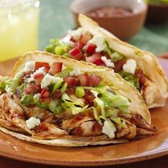 Chipotle Chicken Puffy Tacos Recipe on Key Ingredients at http://www.keyingredient.com/recipes/514439036/chipotle-chicken-puffy-tacos/