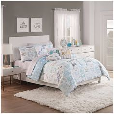 Intelligent Design Khloe Aqua/ Silver Metallic Printed Coverlet Set (Full - Queen - 5 Piece), Blue, ID-Intelligent Designs (Microfiber, Geometric) Comforter Sets, Home Essence, Coverlets, Intelligent Design, Coverlet Set, King Comforter Sets, Duvet Cover Sets, Luxury Bedding, Bedding Sets