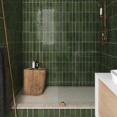La Riviera Botanical Green x Bad Inspiration, Bathroom Inspiration, Moroccan Wall Tiles, Bathroom Trends, Bathroom Interior Design, Bathroom Designs, House Design, Green Tiles, Green Bathroom Tiles