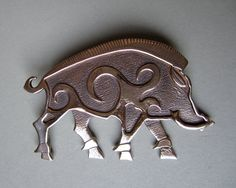 Master Ark's Large Boar  (www.MasterArk.com) Brooch or Pendant in Bronze