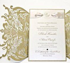 100 Vintage Lace Floral Wedding Invitation por RoyalStyleWeddings