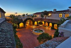 colonial courtyard - Google Search