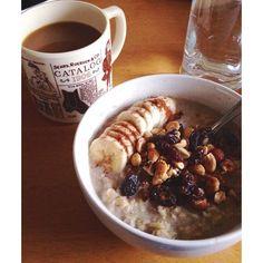 Always striving for the bestest brekky possible.  #mmm #yum #breakfast #startedthedayoffright #brekky #vegan #veganbreakfast #overnightoats #oatmeal #oatmealrecipe #nashville #vintagemug #coffee #coffeemug #dosecoffee @dosecoffeeandtea #Padgram