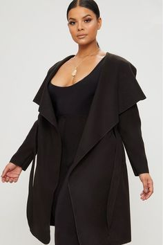 Plus Black Waterfall Coat. Shop the range of plus size today at PrettyLittleThing. Black Women Fashion, Curvy Fashion, Plus Size Fashion, Womens Fashion, Fashion Edgy, Fashion Fall, Fashion 2020, Girl Fashion, Fashion Tips