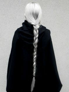 Hair white silver character inspiration new Ideas Throne Of Glass, Grey Hair, Long White Hair, Dark Silver Hair, Very Long Hair, Character Inspiration, Braids, Hair Color, Long Hair Styles