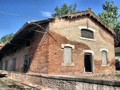 Decay Art and Urbex: Estacion abandonada de ffcc de Aranjuez(Madrid - España)