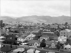 Sydenham showing Gordon St (now Hastings St) and Hutcheson St by the intersection with Addison St (now Colombo St). Christchurch New Zealand, Old Photos, Paris Skyline, The Past, Street View, Furniture Factory, Photography, Houses, Travel
