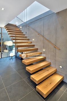 49 beautiful wooden stair design ideas for your home 21 The Barn House # Stairs Design Modern barn Beautiful design home House Ideas Stair wooden Home Stairs Design, Interior Staircase, Staircase Railings, Modern House Design, Stair Design, Staircase Design Modern, Cantilever Stairs, Building Stairs, Modern Stairs