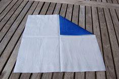 LILLE BLÅ: Brette skjorte servietter =) Picnic Blanket, Outdoor Blanket, Beach Mat, Picnic Quilt