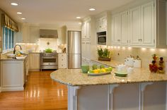 Get inspired by Traditional Kitchen Design photo by Lisa Furey Interiors. Wayfair lets you find the designer products in the photo and get ideas from thousands of other Traditional Kitchen Design photos. Cream Colored Kitchen Cabinets, Cream Colored Kitchens, Kitchen Cabinet Colors, Kitchen Colors, White Cabinets, Cream Cabinets, Oak Cabinets, Colored Cabinets, Upper Cabinets