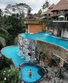 Hotels And Resorts, Best Hotels, Luxury Resorts, Resort Bali, Location Airbnb, Jungle Resort, Hotel Architecture, Instagram Beach, Luxury Pools