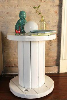 Mesa hecha con bobina reciclada