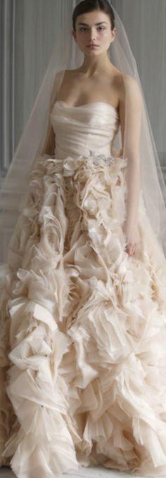 Wedding dress - Monique Lhuillier LBV