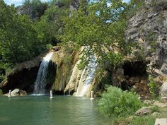 Turner Falls in Oklahoma is just a short 2 hour drive from Dallas/Fort Worth, and offers clear, cool spring water! It's an almost annual mom and kids trip for us to celebrate summer, and som…