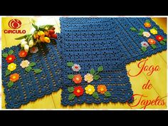 olá pessoal tudo bem. No vídeo de hoje iremos aprender a fazer estes dois lindos tapete de Crochê super fácil 👏. ♡Medidas: Passadeira : 1.20cm/ 0.45cm tapete... Crochet Table Mat, Crochet Tablecloth, Lace Doilies, Crochet Doilies, Free Crochet, Crochet Hats, Crochet Videos, Crochet Designs, Kids Rugs