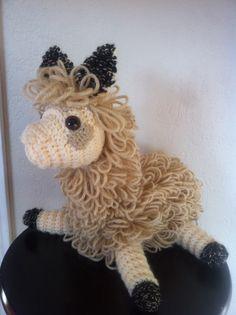 Amigurumi Llama Free Pattern : Amigurumi lamas on Pinterest Llamas, Alpacas and Amigurumi