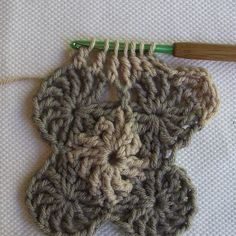 CrochetDad Ramblings: CrochetDad's Wheel Stitch Block Tutorial - Fourth Round