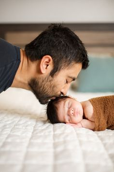Newborn Photos | Newborn Baby Poses & Ideas | Cute Newborn Pictures | Denver Colorado Newborn Photographer