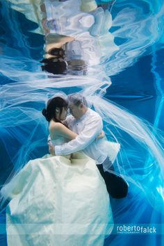 I love how mystical this photo feels.  Underwater #wedding #photography