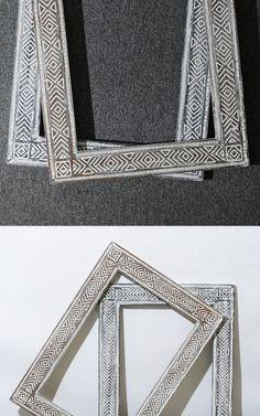 Полный размер зеркала в раме – 52х72 см, а зеркального полотна - 38х58 см. Этого вполне достаточно, чтобы видеть свое отражение в полный рост.