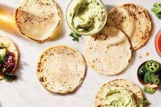 Homemade Corn Tortillas, Fresh Tortillas, Corn Tortilla Recipes, Flour Recipes, Vegan Recipes, Bread Recipes, Mexican Food Recipes, Ethnic Recipes, Mexican Dishes