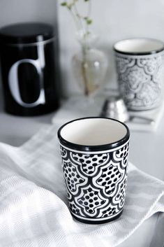 Moroccan mug black and white 10 cm
