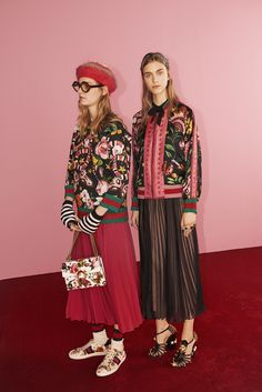 Gucci Is Launching an Online-Only Collection Foto Fashion, Gucci Fashion, Fashion Week, Fashion Art, Spring Fashion, High Fashion, Fashion Outfits, Womens Fashion, Fashion Design