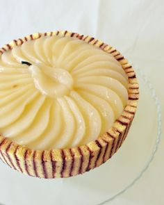 inspired by The Cake Bible: ethereal pear charlotte (from hector wong: cake instructor) Just Desserts, Delicious Desserts, Dessert Recipes, Yummy Food, Pear Recipes, Sweet Recipes, Charlotte Cake, Dessert Charlotte, Patisserie Fine