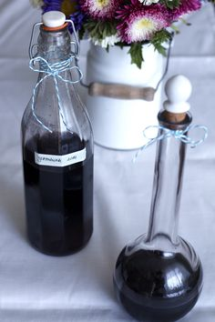Nalewka jeżynowa (jeżynówka) Wine Decanter, Barware, Coffee Maker, Kitchen Appliances, Drinks, Bottle, Eat, Cooking, Autumn